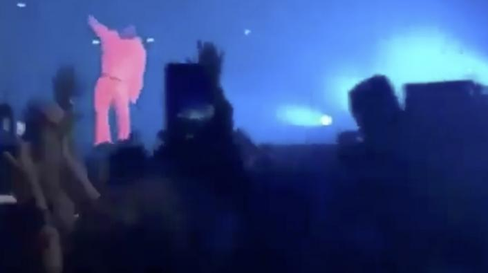 Drake Brings Out Kanye in Chicago, Kanye Bashes Taylor Swift