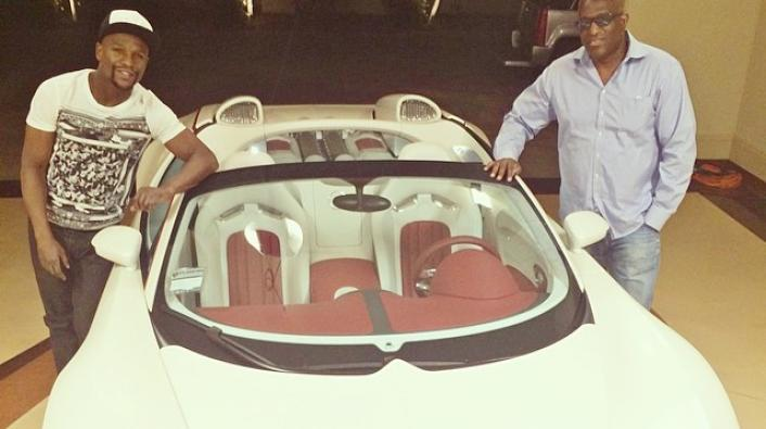 Image: Money Ain't a Thang: Floyd Mayweather Cops His 3rd Bugatti!