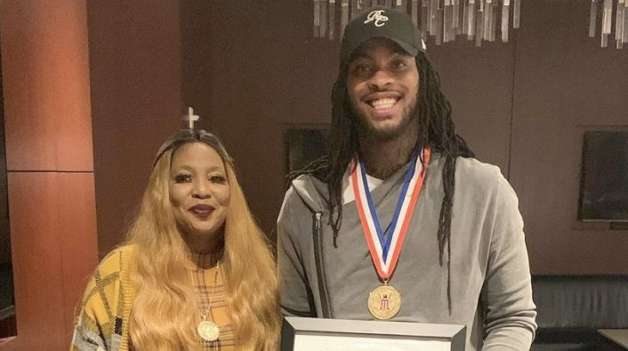 Image: Waka Flocka Shouts Out Trump for Giving Him Lifetime Achievement Award