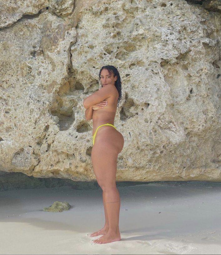 Booty Calls Naomi