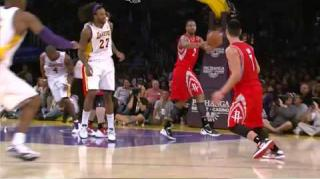 Kobe Bryant Gives Jeremy Lin Death Stare For Flopping