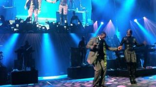 "Ray Lewis Shows Mary J Blige ""Squirrel Dance"" At Victory Party"