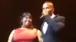 Fan Gives Jamie Foxx Unforgettable Grind Session At Concert