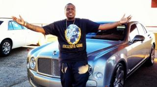 Sean Kingston Argues With Repo Man Taking His Bentley
