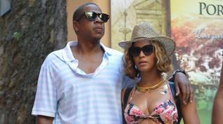 Beyonce & Jay Z Spark Pregnancy Rumors on Final Tour Stop