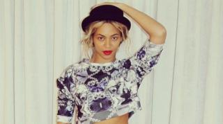 Beyonce Accused of Lip-Syncing at Paris Show