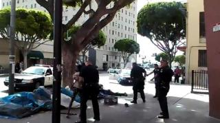 #LAPDShooting: Los Angeles Cops Shoot & Kill Homeless Man