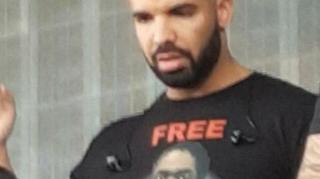 Image: Drake Seen Wearing 'Free Meek Mill' Shirt at OVO Fest Rehearsal