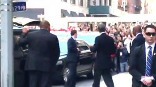 Image: Barack Obama Greeted by Street Full of Cheering People in NYC