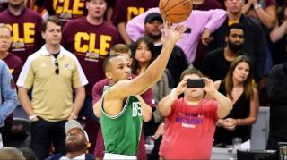Image: Avery Bradley Defeats Cavs with a Game Winning 3 Point Shot