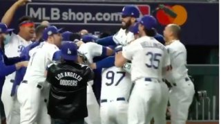 Image: Los Angeles Dodgers Win 2020 World Series, First World Title Since 1988